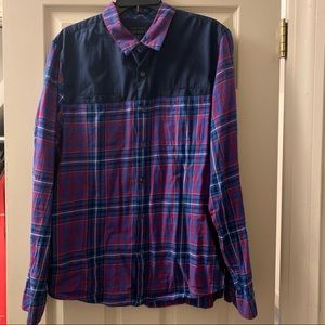 Guess Button Up shirt. Size Large slim fit